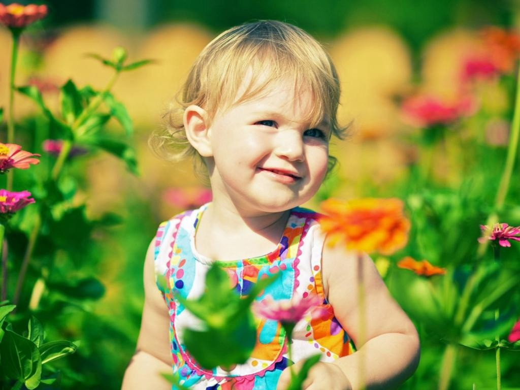Cute Babies With Flowers Wallpaper 2 1024×768
