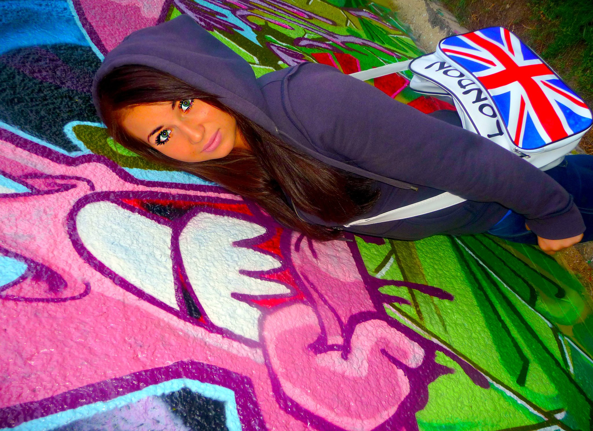 Graffiti Wallpaper For Girls 17