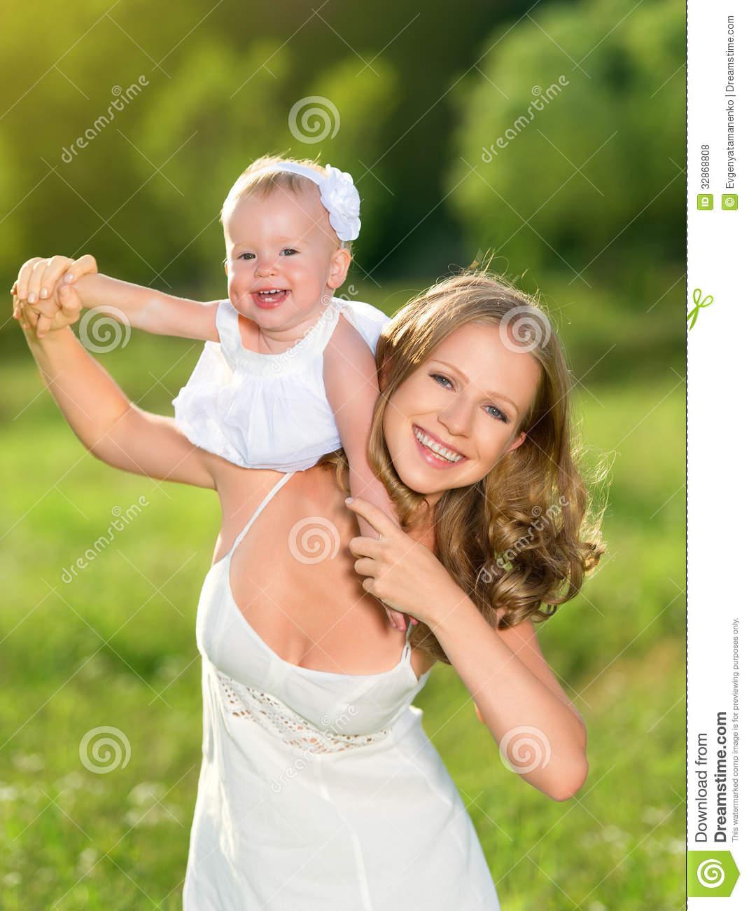 Фото мама и дочь на природе 11 фотография