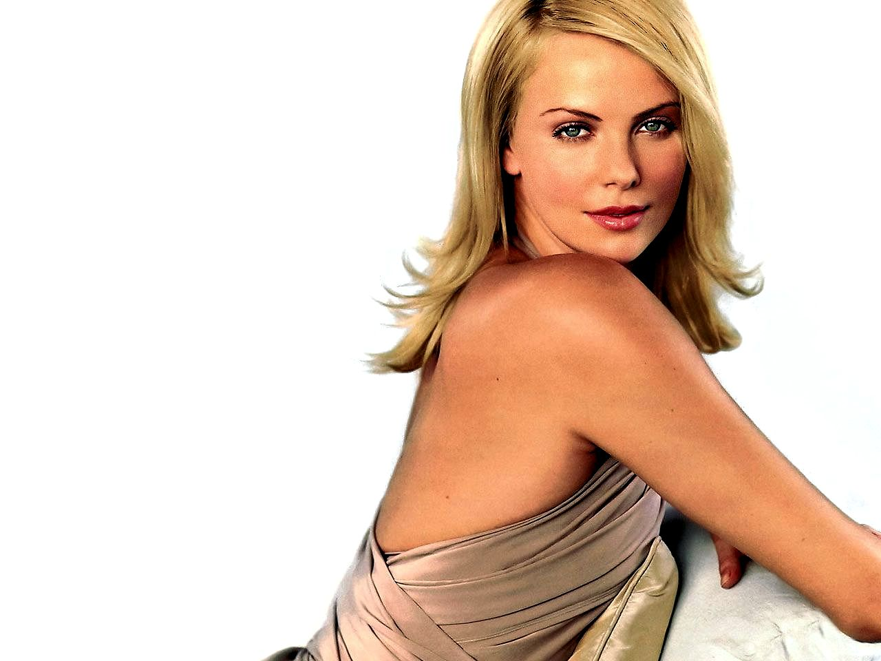 Charlize Theron Wallpapers 10