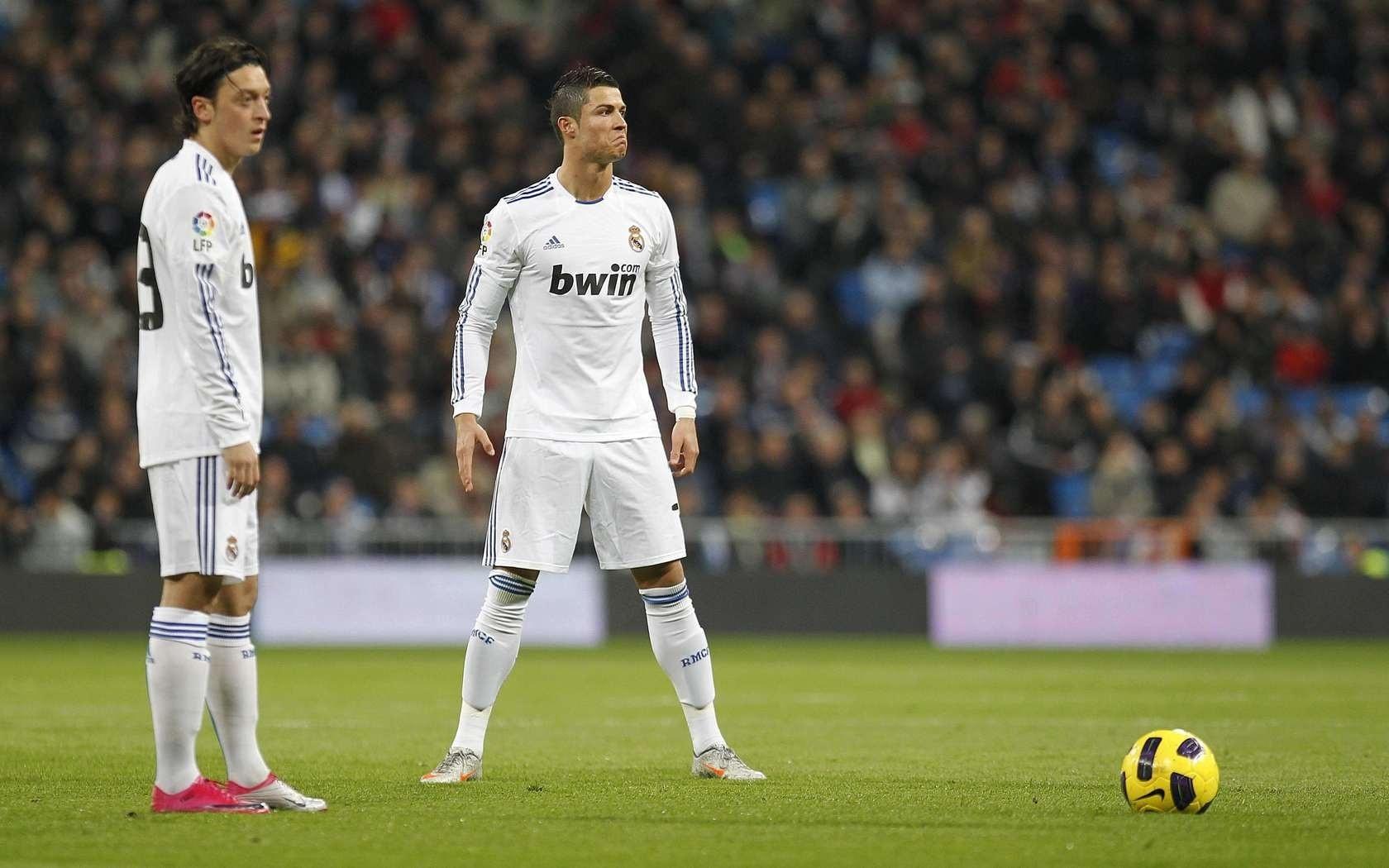 Bale Free Kick Wallpaper Cristiano Ronaldo Free Kick