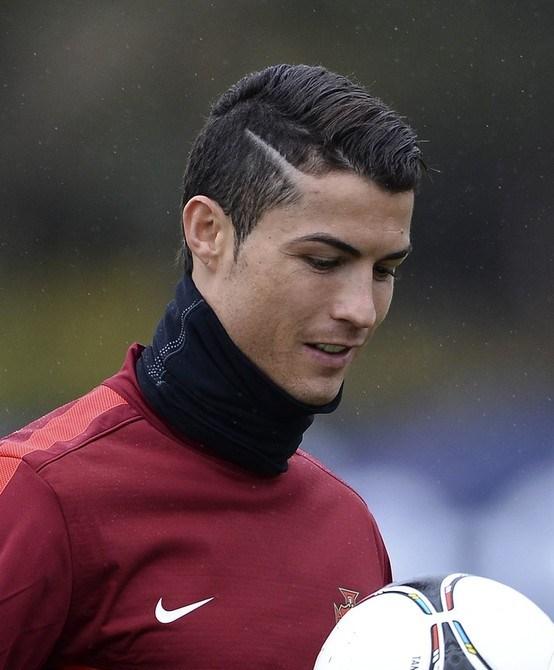 Ronaldo Hair Cutting Images The Best Hair Cut 2017