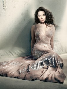 Emilia Clarke Vogue 1 227×300
