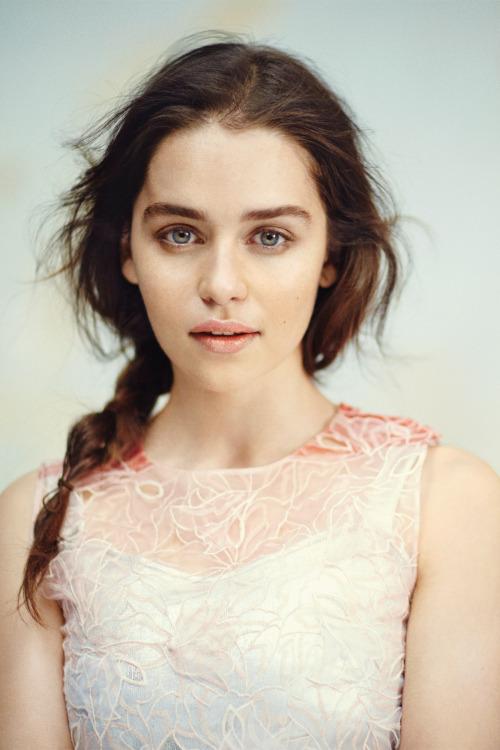 Emilia Clarke Vogue 4