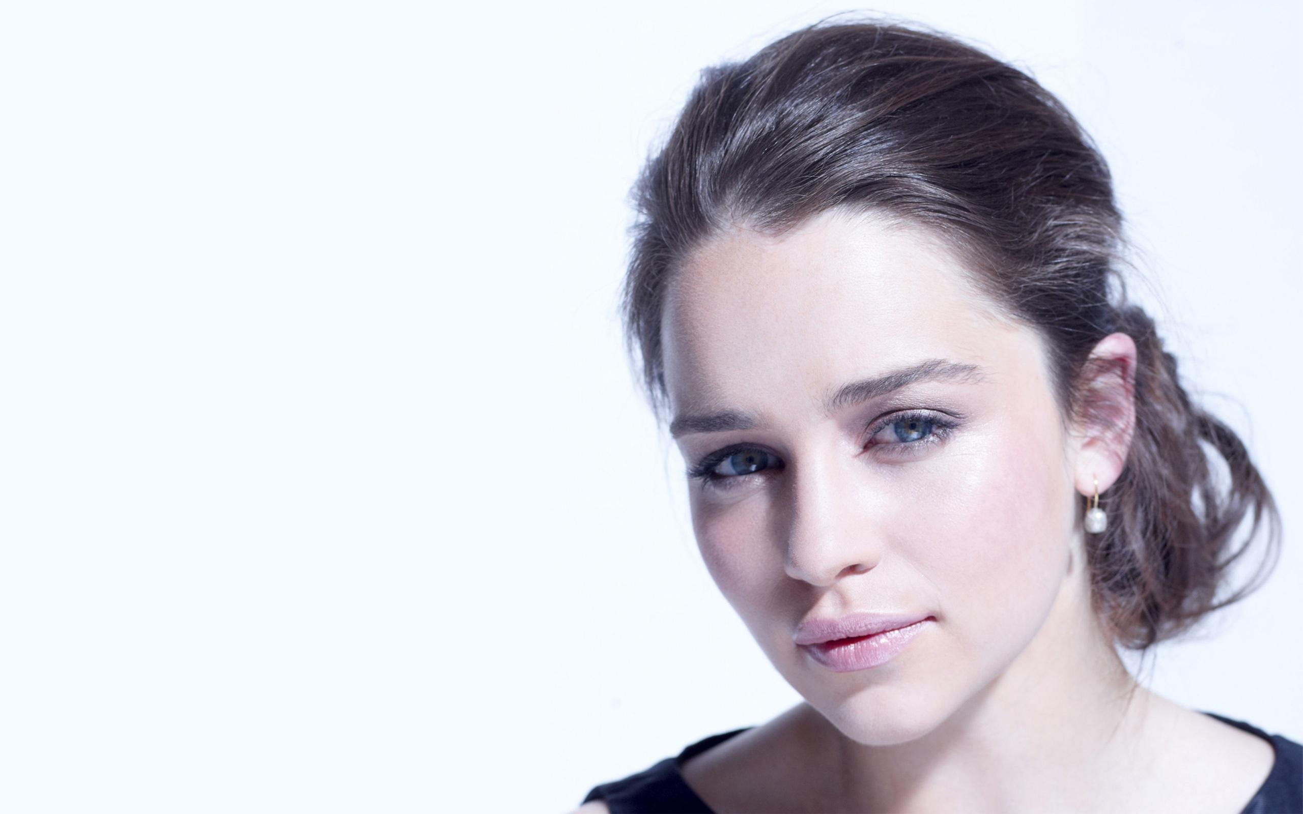 Emilia Clarke Wallpaper 6