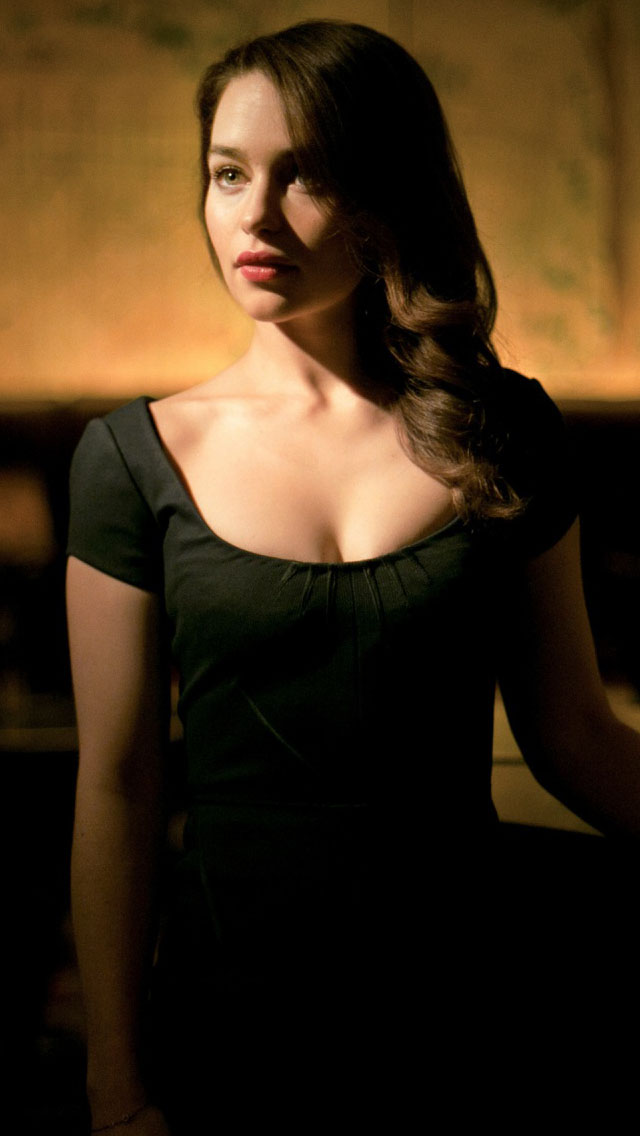Emilia Clarke Wallpaper IPhone 8