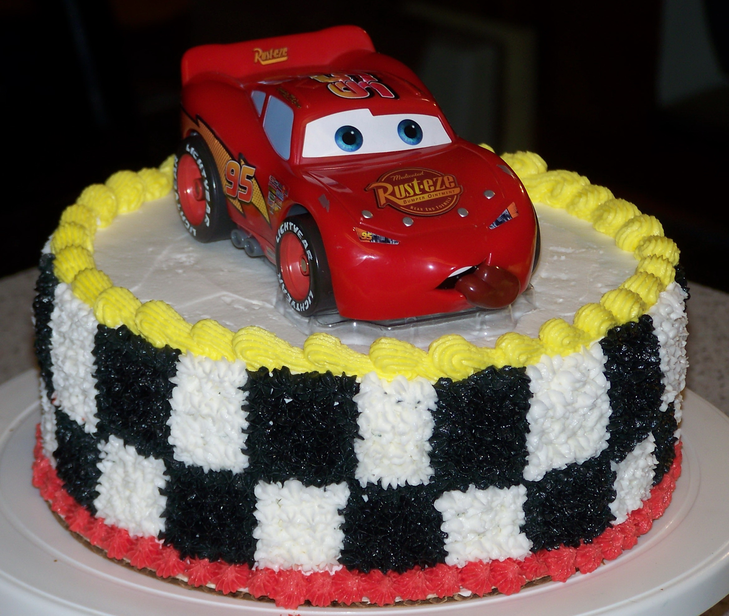 CARS BIRTHDAY CAKE - Fomanda Gasa