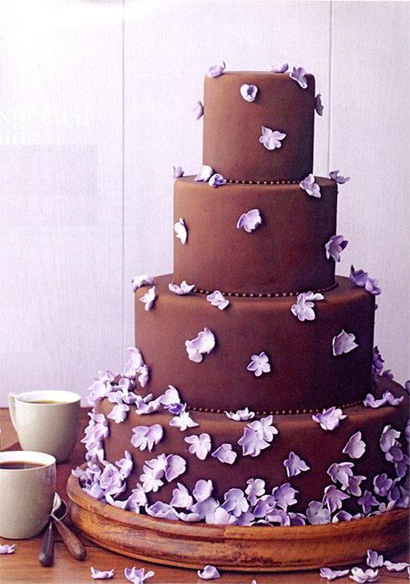 Chocolate Wedding Cakes With Flowers 2