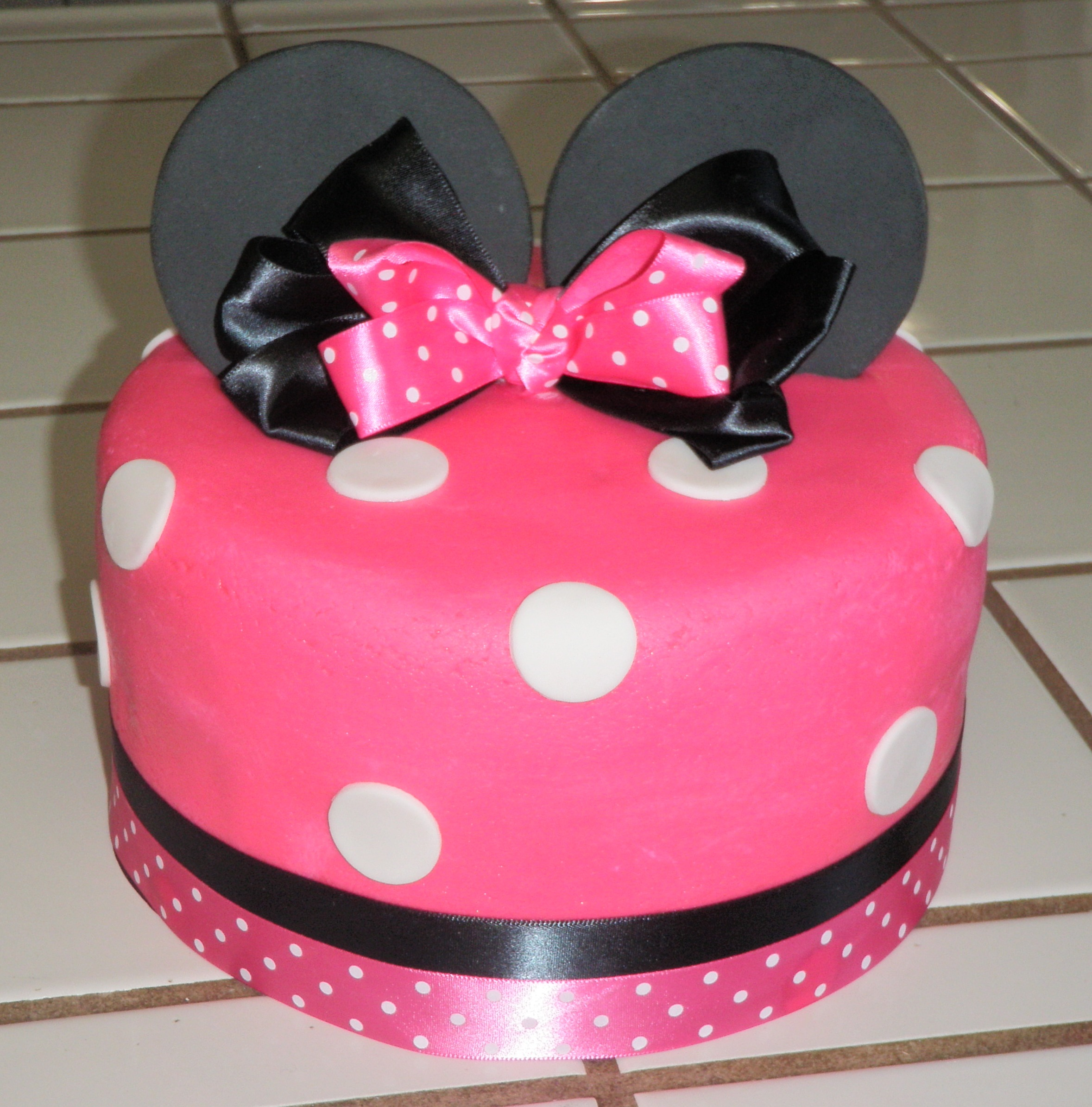 Minnie Mouse Birthday Cake 7
