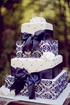Purple Wedding Cakes 1