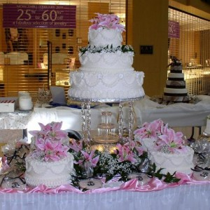 Wedding Cakes With Fountains And Flowers 1 300×300