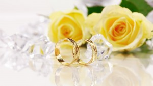 Yellow flowers with wedding bands, EventSoJudith